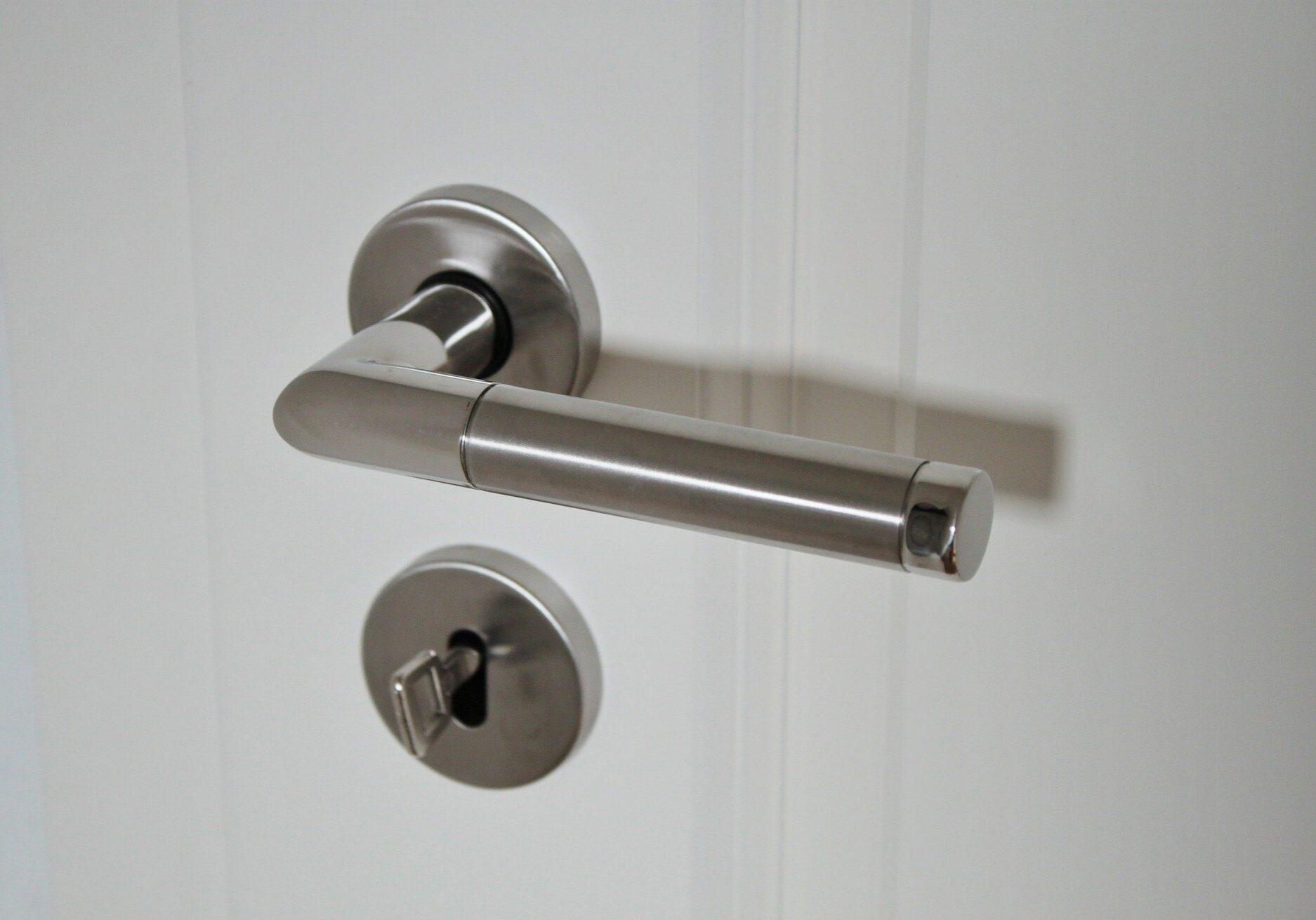 door-handle-625942_1920
